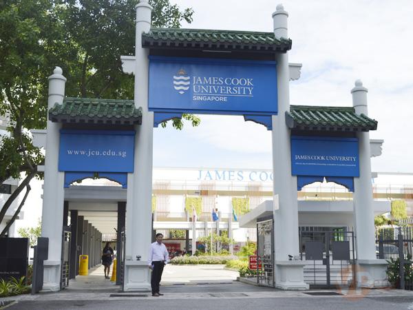 Đại diện du học Việt Phương qua thăm và làm việc với trường Đại học James Cook Singapore