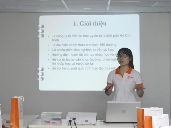 Ms Kim Pha giới thiệu đôi nét về sự hình thành và phát triển của công ty
