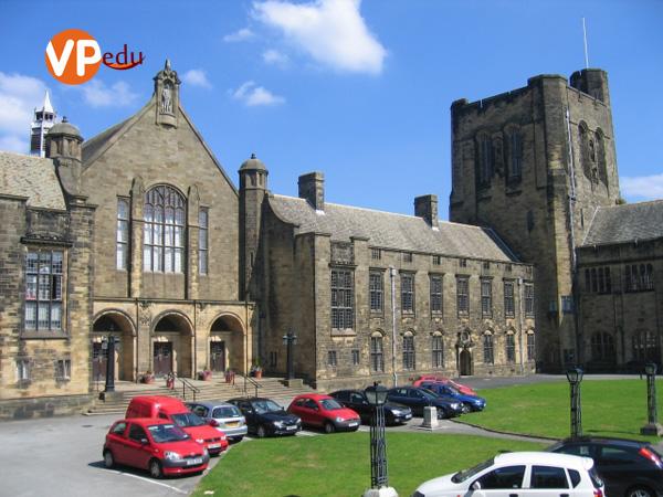 Bangor trường đại học danh giá và lâu đời nhất tại Vương quốc Anh