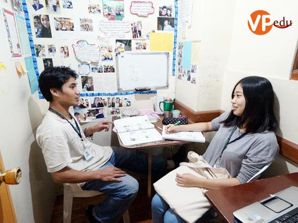 Lớp học 1-1 là một trong những điểm nỗi bật của trường anh ngữ Talk