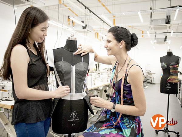 Ngành thiết kế thời trang là một trong những chương trình đào tạo trọng điểm tại Raffles