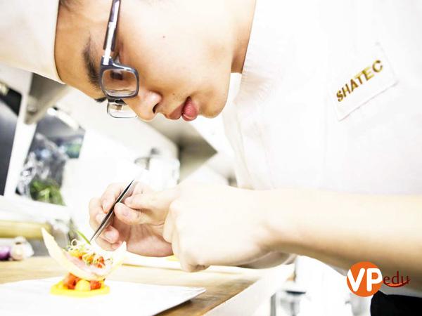 Du học Singapore khóa học làm bánh tại trường Shatec