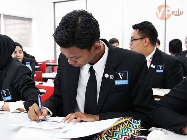 Du học Malaysia ngành Du lịch Khách sạn tại City University nhận bằng cấp từ trường VATEL Pháp