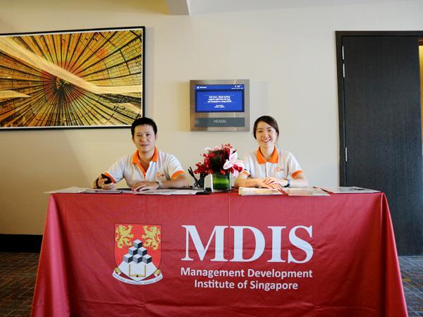 Mọi thứ đã chuẩn bị sẵn sàng để chào đón phụ huynh và học sinh tới tham dự hội thảo