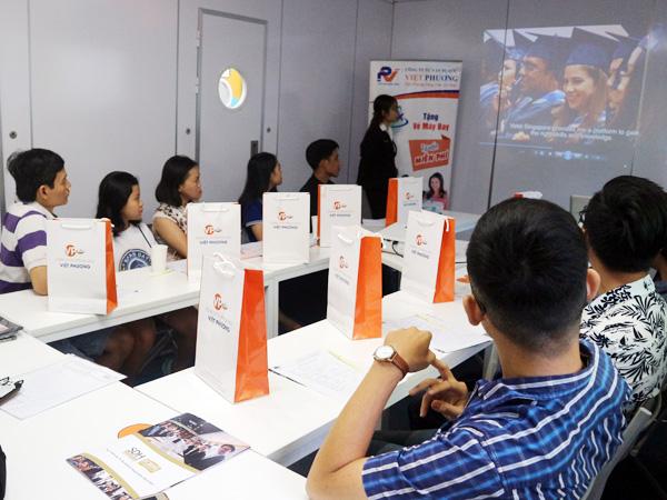 Hội thảo nhận được rất nhiều sự quan tâm của các bạn trẻ và phụ huynh tại HCM và các tĩnh lân cận