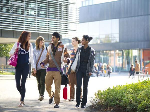 Trường cao đẳng quốc tế shelton với chương trình đào tạo chất lượng theo chuẩn Anh Quốc