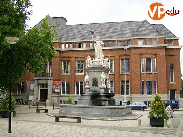 Học phí Rotterdam University hết bao nhiêu?