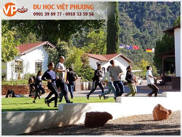 Trường trung học nội trú Verde Valley School nổi tiếng ở Mỹ