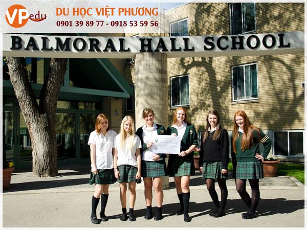 Nữ sinh Trường Balmoral Hall năng động và sáng tạo