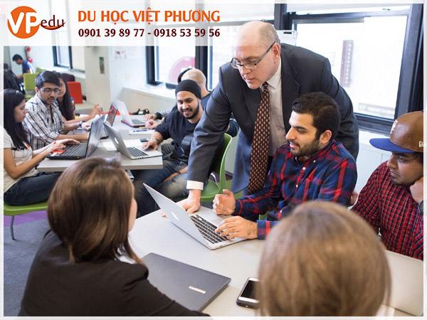 Chương trình học thực tiễn cùng với giảng viên hàng đầu tại Pace University