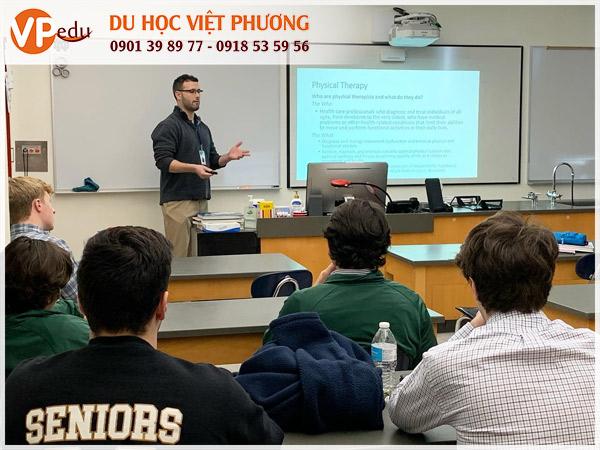 Chương trình đào tạo chất lượng tại trường trung học Notre Dame