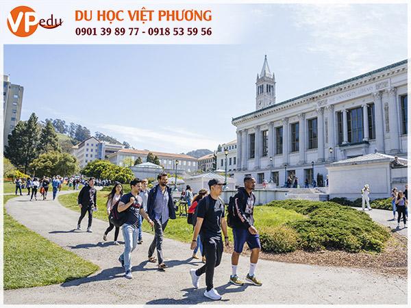 Học sinh trường University of California Berkeley, Mỹ