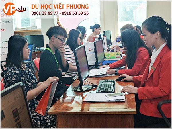 Du học Việt Phương - Công ty tư vấn du học luôn nhận được sự tín nhiệm của quý bậc phụ huynh