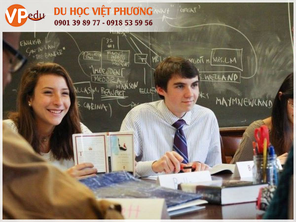Philips Exeter Academy giảng dạy bằng hình thức lấy học sinh làm trung tâm