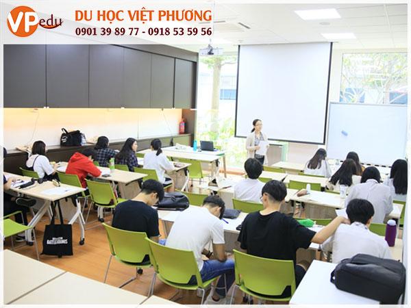 Lớp học tại học viện ERCi: Chương trình học đảm bảo chất lượng