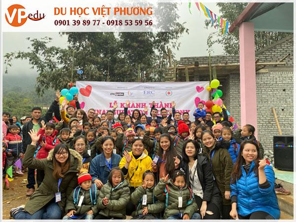 Sinh viên Việt Nam tại ERCi gây quỹ xây dựng trường học