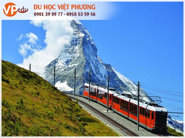 Sử dụng phương tiện công cộng tại Thụy sĩ sẽ giảm bớt chi phí đi lại hàng tháng cho du học sinh
