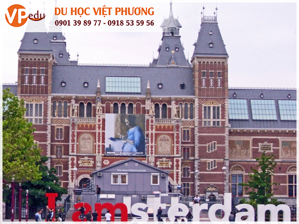 Đại học Amsterdam, Hà Lan được đánh giá cao trên các bảng xếp hạng thế giới