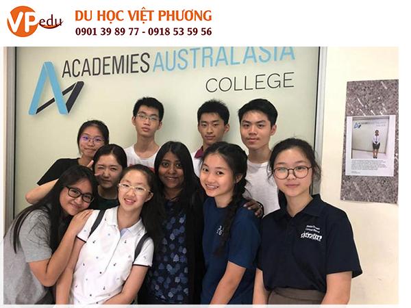 Academies Australasia là hệ thống trường nghề tư thục có 18 trường cao đẳng, mỗi trường đều có giấy phép hoạt động như một cơ sở giáo dục.